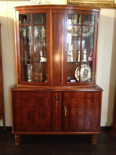 Art Deco glass-cupboard ca. 1920, rosewood