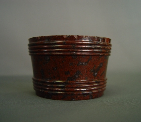 Salt vessel made of red Serpentine stone from Zöblitz ca. 1780